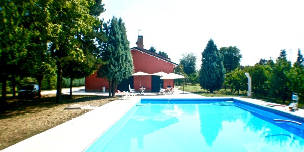 Piscina First Manor Hose